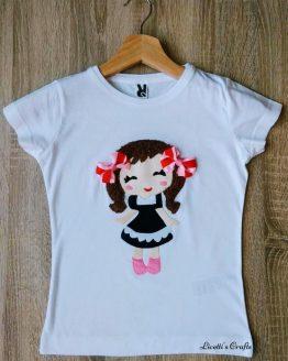 Camiseta customizada para niña