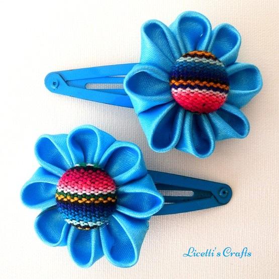 Pinzas flor kanzashi azul