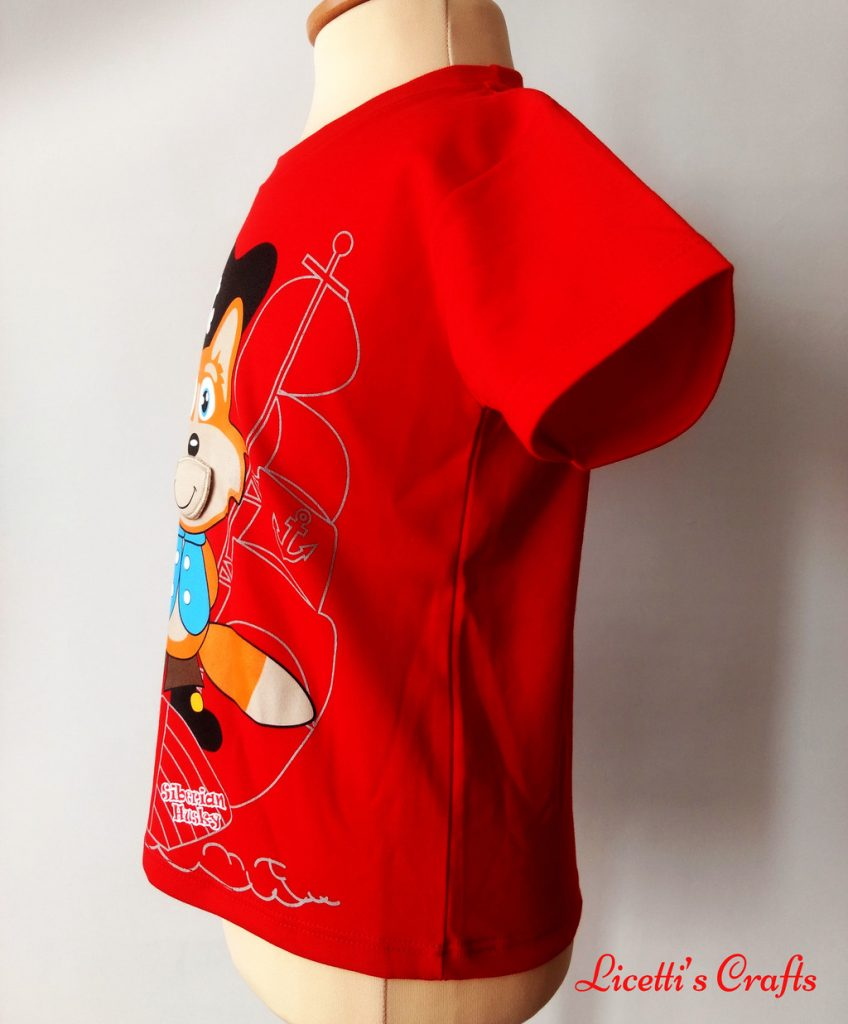 Detalle costado de camiseta algodón pima con dibujo de zorro