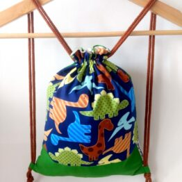 mochila hecha a mano dinosaurio infantil