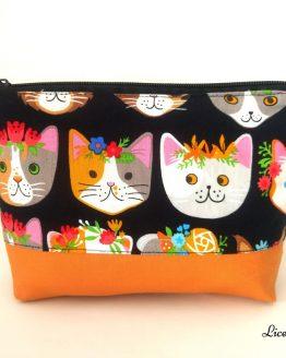 Neceser hecho a mano gatos con flores