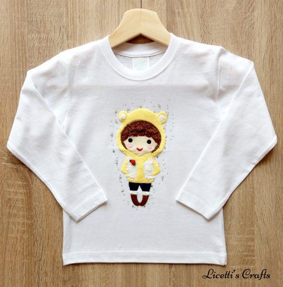 camiseta manga larga con figura en relieve