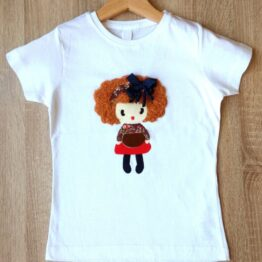 camiseta manga corta con muñeca en relieve lazo azul