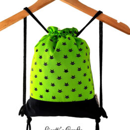 mochila cuerdas gato negro tela verde